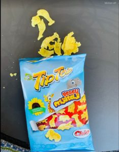 Kimberly reviews Tip Top puffed snacks in Croatia